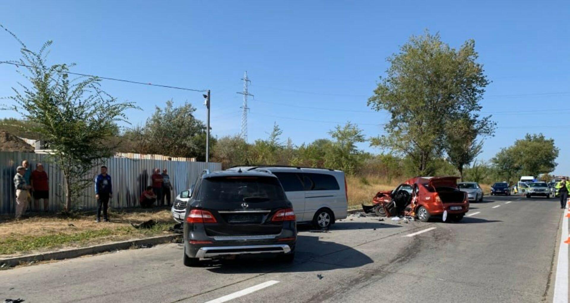 Un șofer a murit, iar doi au ajuns la spital. Poliția oferă primele informații despre accidentul de la Ciocana