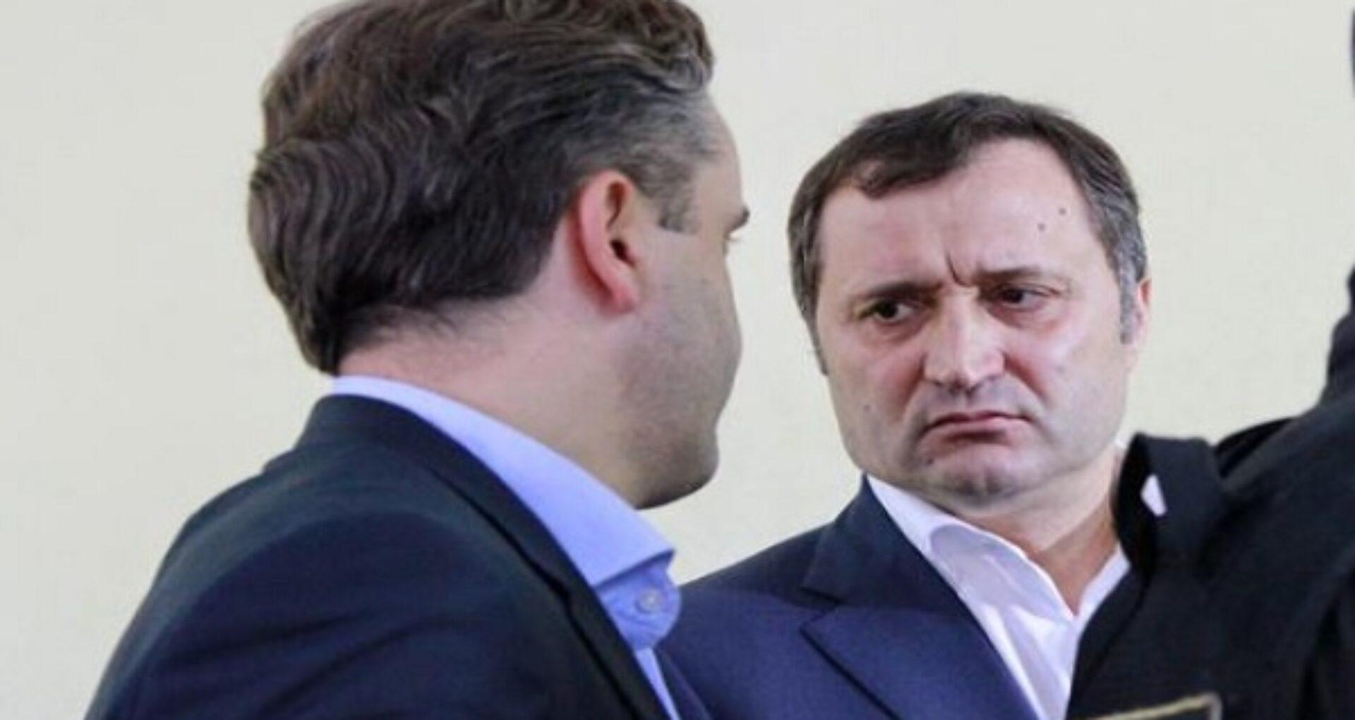 """Juriști și avocați, indignați de declarațiile fostului avocat a lui Vlad Filat: """"Uniunea Avocaților va reacționa?"""""""