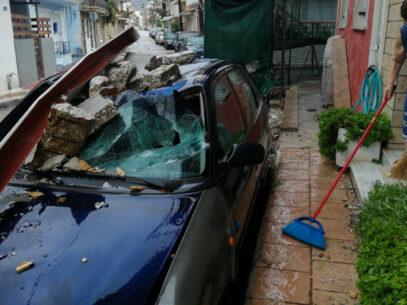 Zone întregi din vestul Greciei se confruntă cu inundații, pene de electricitate și drumuri impracticabile din cauza unui ciclon