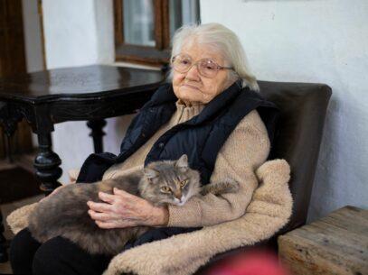 """Valentina Rusu Ciobanu la 100 de ani: """"Nu-mi doresc decât o zi cu soare"""""""