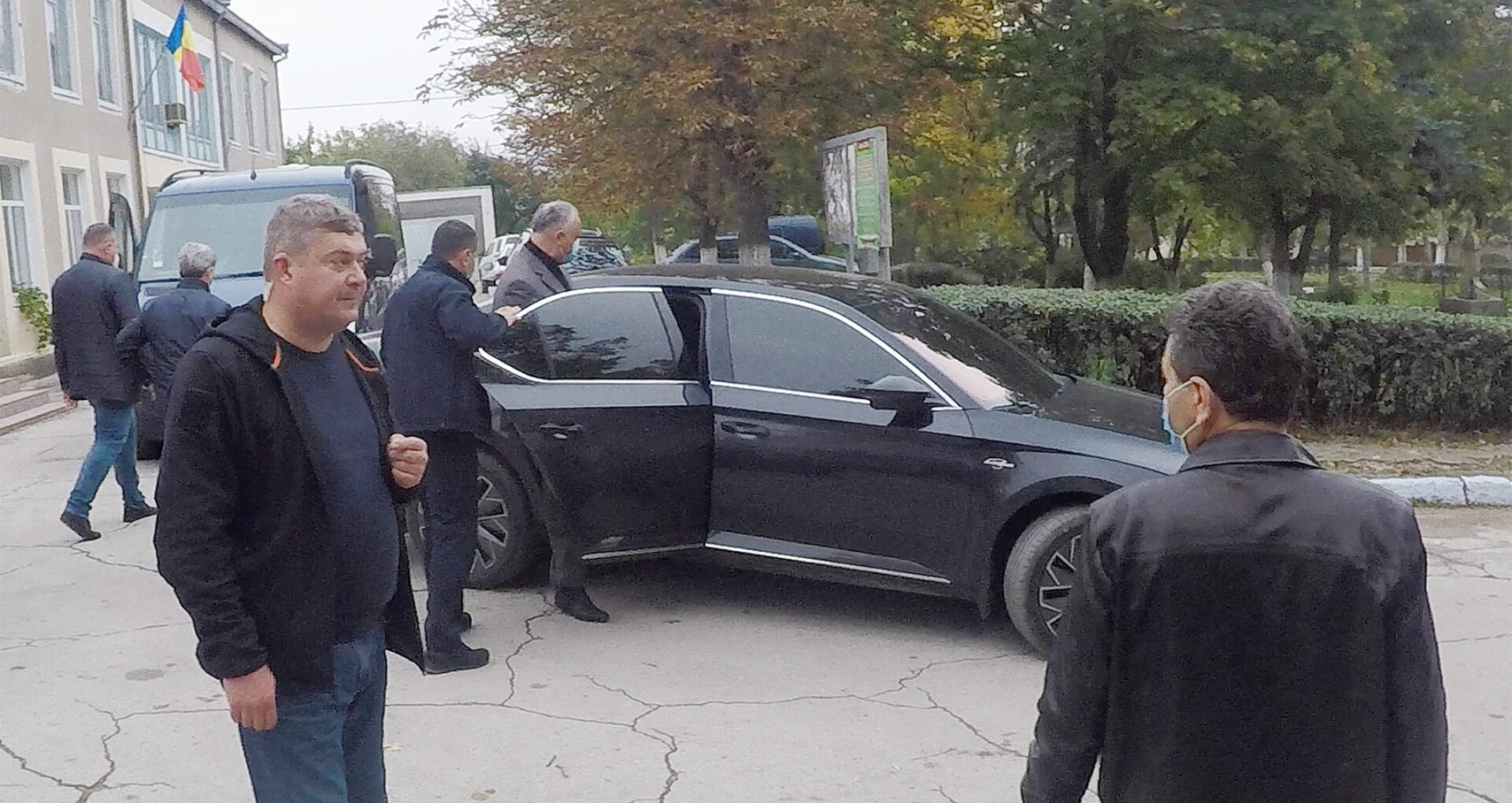 Igor Dodon a închiriat Skoda Superb din campania electorală de la firma consilierului municipal socialist Vasile Chirtoca. Cât a costat serviciul