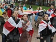 Grevă națională în Belarus.  S-au închis întreprinderi de stat, magazine, universități și localuri