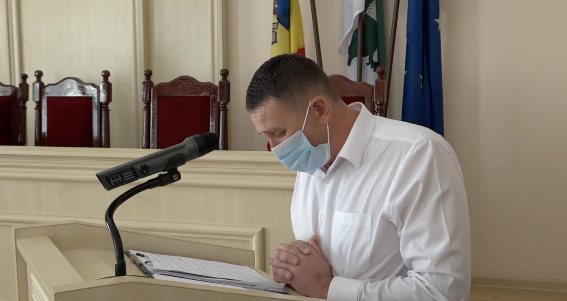 VIDEO/ Vicepreședintele raionului Fălești anunță că părăsește PSRM și trece la Partidul Nostru