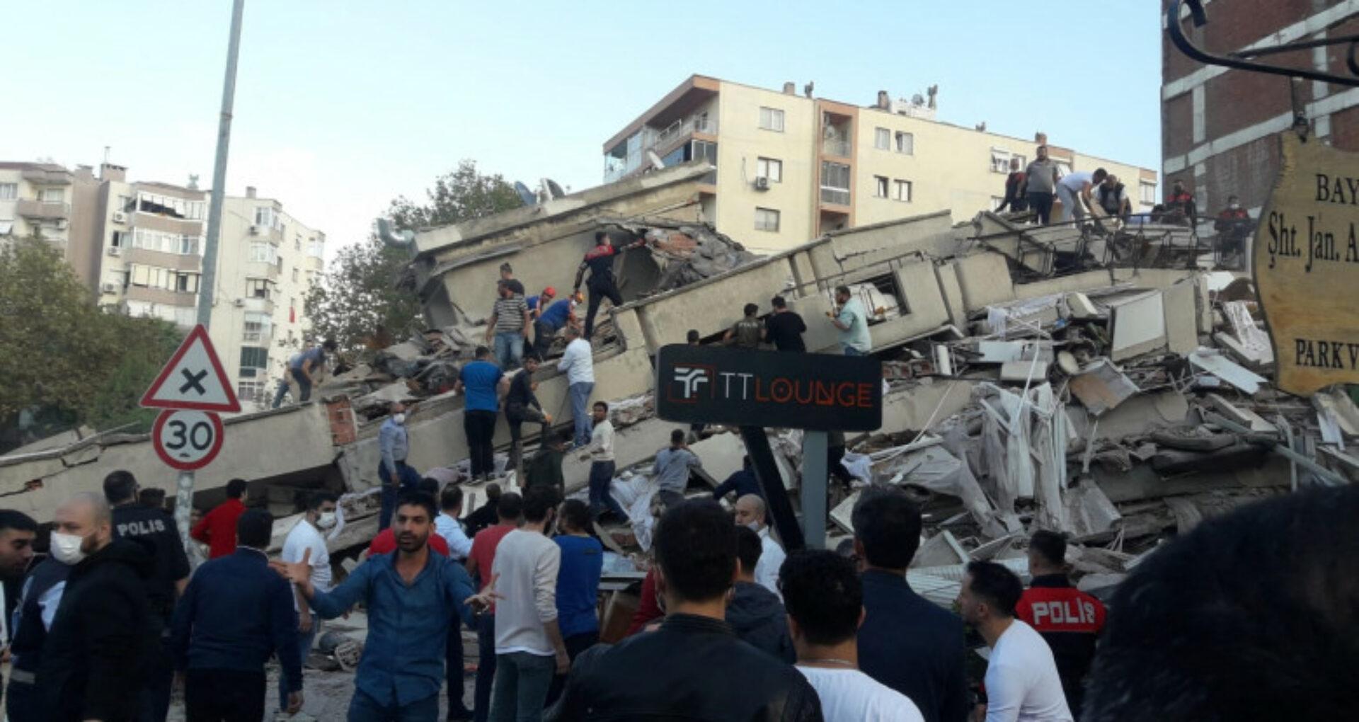 Bilanţul cutremurului din Turcia a ajuns la 25 morţi şi peste 800 de răniţi