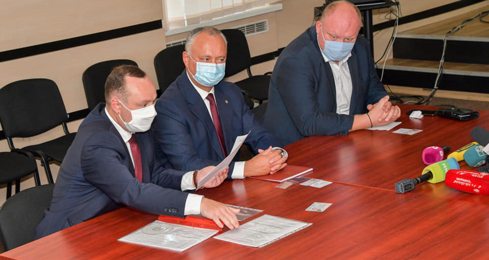 """""""Oamenii președintelui"""" testați pozitiv la COVID-19. Vicepreședintele Parlamentului Vlad Batrîncea, șeful staff-ului electoral al lui Igor Dodon are coronavirus și se află internat la spital"""