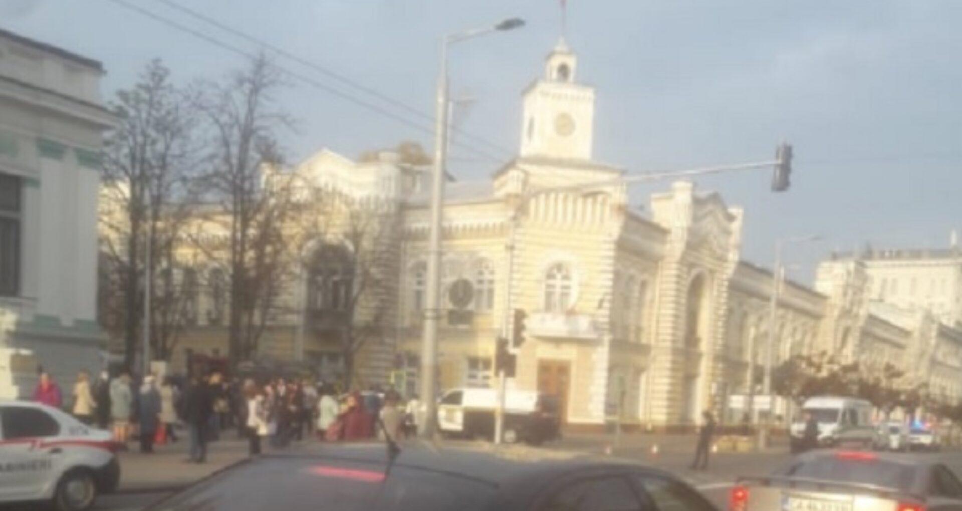 Primăria Chișinău și Ambasada Ucrainei, ținta unei amenințări cu bombă: centrul capitalei, paralizat