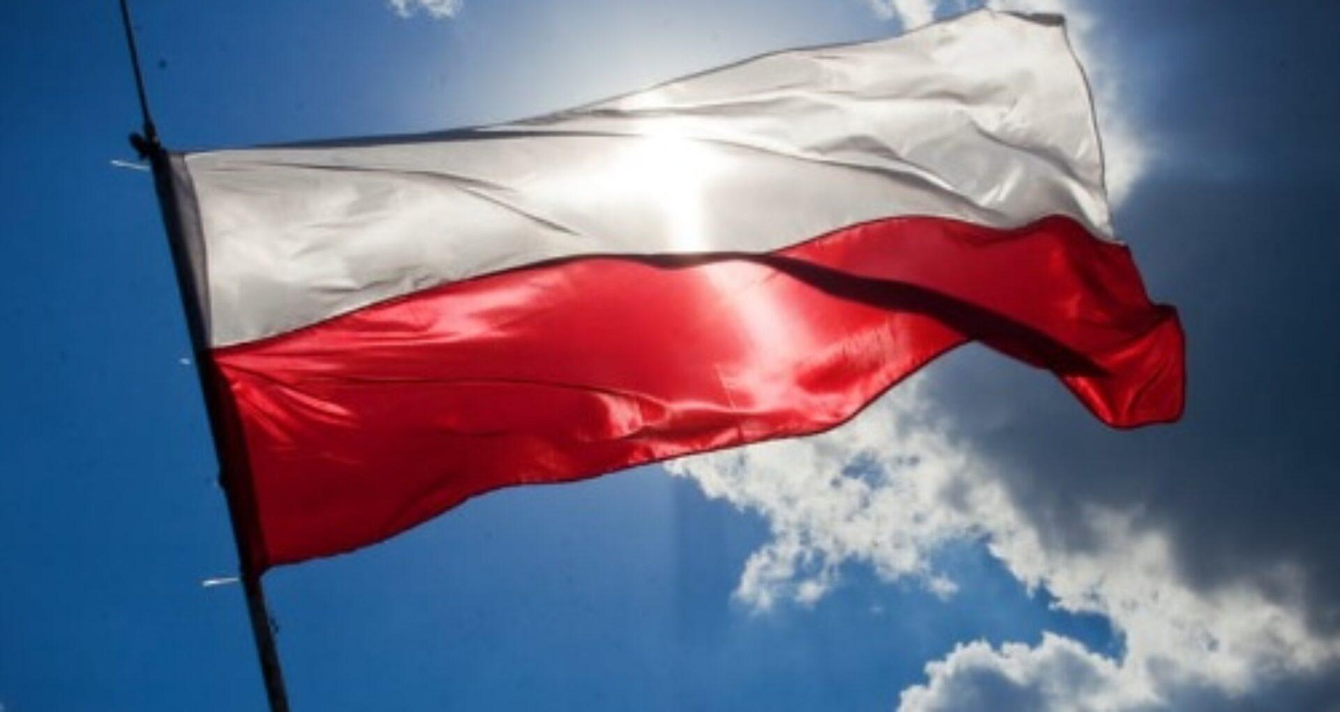 Polonia reintroduce restricții dure la nivel național din cauza creșterii alarmante a cazurilor de COVID-19