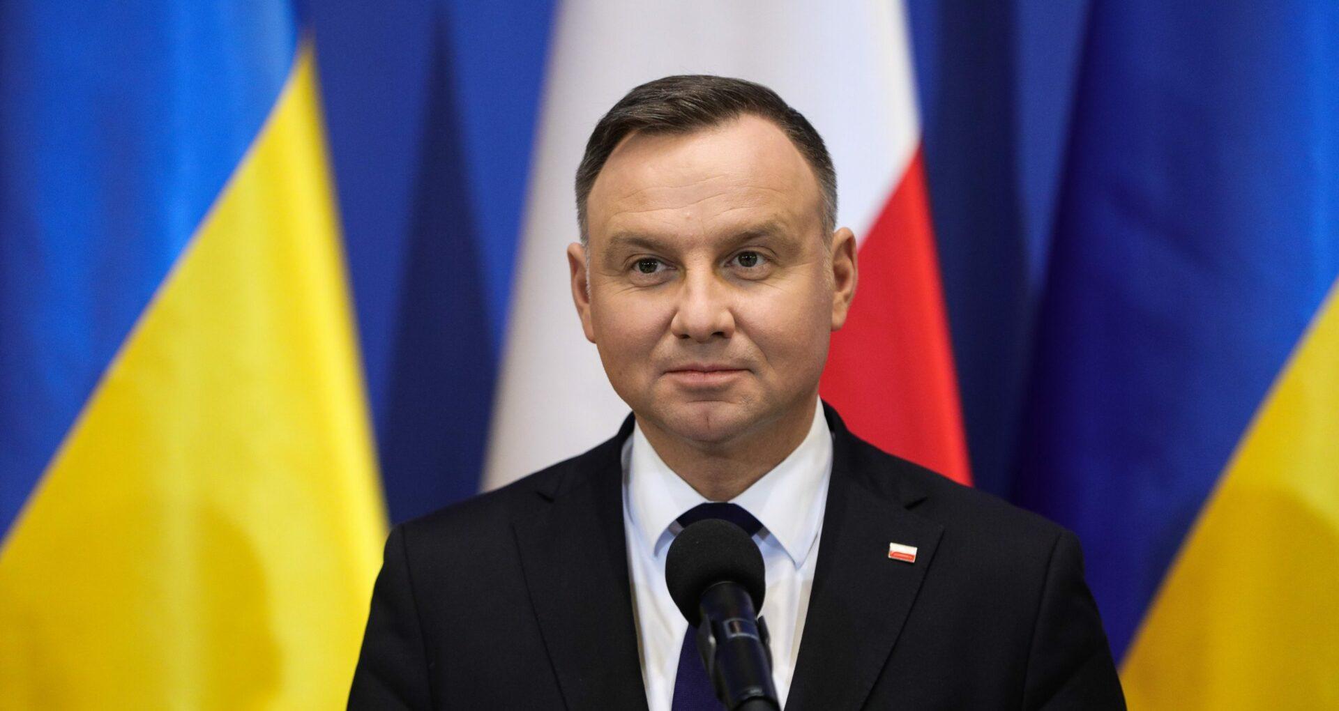 """Președintele polonez, testat pozitiv la noul coronavirus. Polonia intră în """"zona roșie"""""""