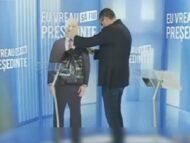 """VIDEO/ Dezbaterea dintre Renato Usatîi și Igor Dodon: candidatul Partidului Nostru a adus în studio o machetă a candidatului independent, susținut de PSRM: """"Haidem, Igor Nicolaevici"""""""