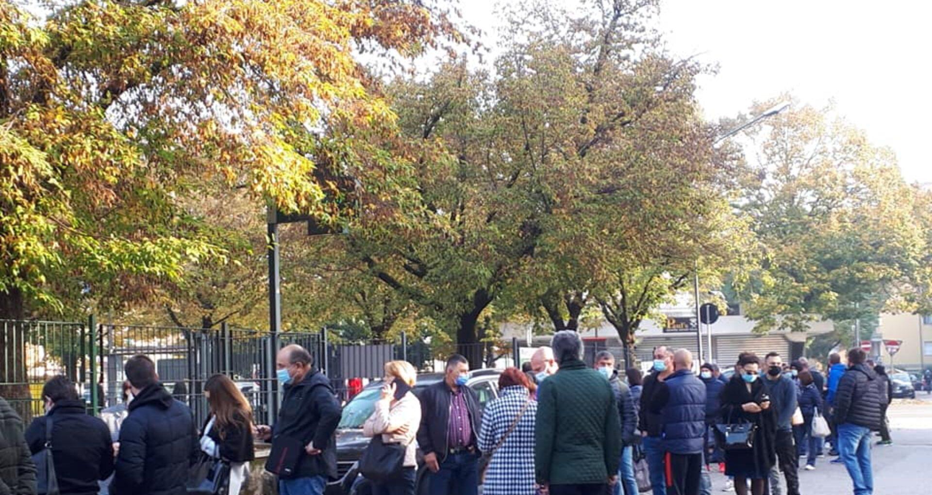 Ministerul de Externe anunță că sunt înregistrate aglomerații la mai multe secții de votare din străinătate
