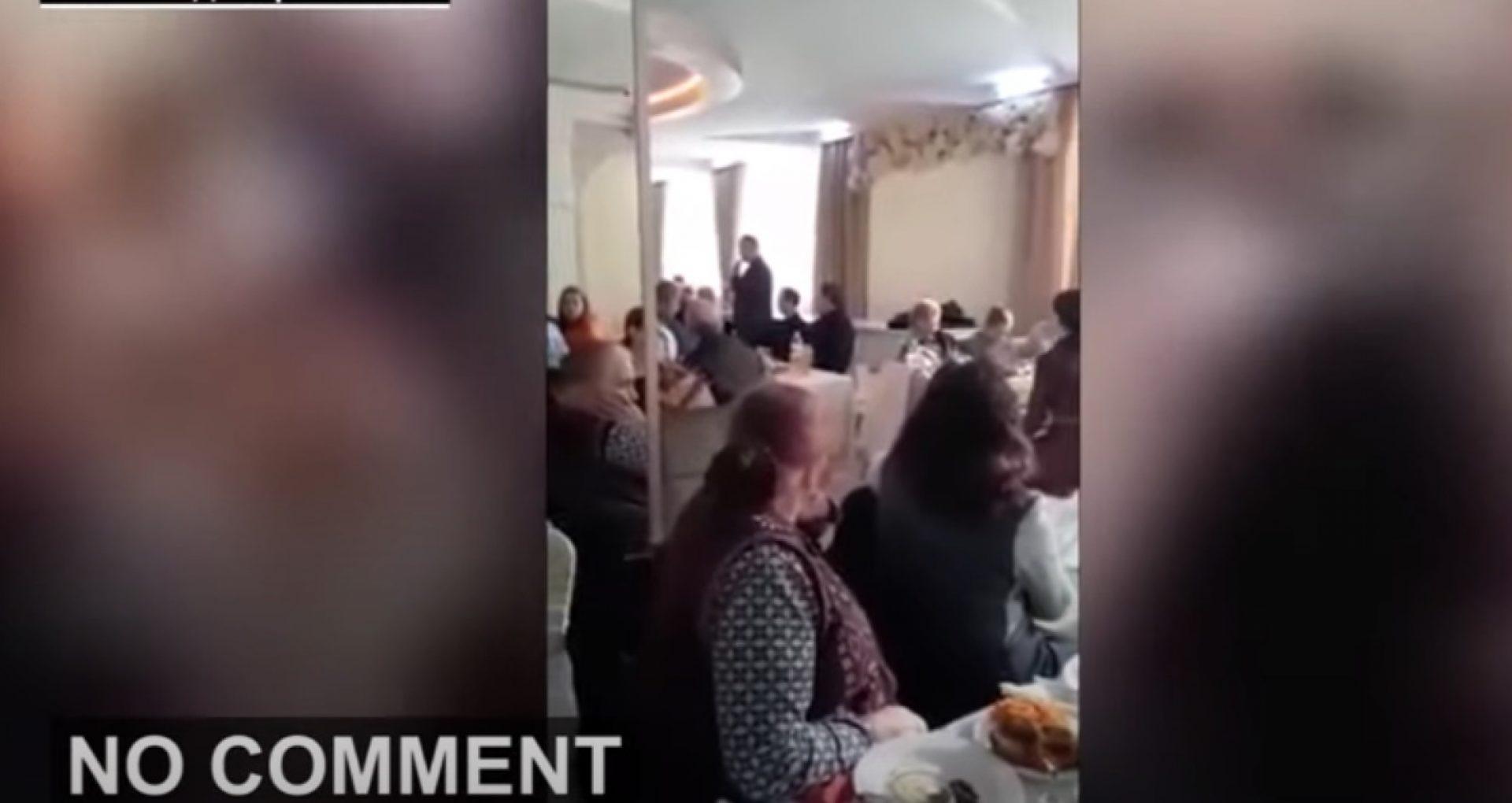 """VIDEO/ Dodon, la banchet cu alegătorii săi din UTA Găgăuzia: """"Liniștiți-vă. Beți câte 50 grame. Strângeți în pumn toate forțele și mergeți mai departe"""""""