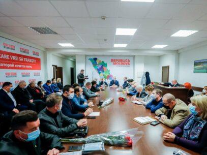 Igor Dodon a avut prima ședință de consultare cu fracțiunea PSRM: Deputații socialiști i-au propus să revină în fruntea partidului