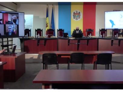 Președintele și secretarul CEC nu participă la ședințele instituției din ziua alegerilor. Ce explicații au aceștia
