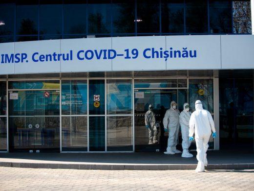 """30 de paturi pentru pacienții bolnavi de COVID-19 sunt reactivate la IMSP SCM """"Sfânta Treime"""", iar la Centrul de la Moldexpo va fi activat al treilea pavilion, cu 80 de paturi"""