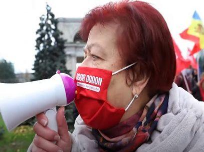 """VIDEO/ Filmul mitingului PSRM de 30 de minute: """"Vor bea rachiu și va fi bine""""; """"De ce America voastră ne sperie cu coronavirusul?"""""""