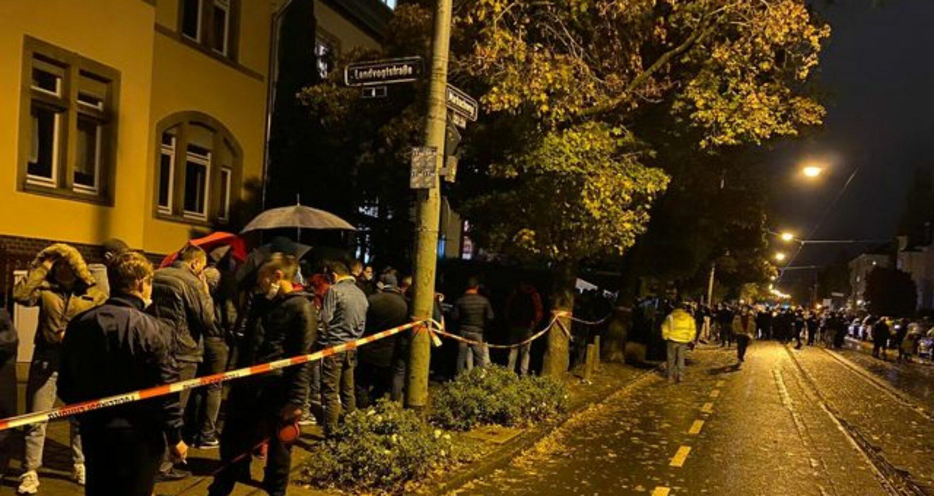 """Ultima oră/ Mai mulți cetățeni ai R. Moldova din Germania NU au putut vota. O secție de votare s-a închis după ce timpul de votare a fost prelungit cu doar o oră. """"CEC-ul le-a închis programa"""""""