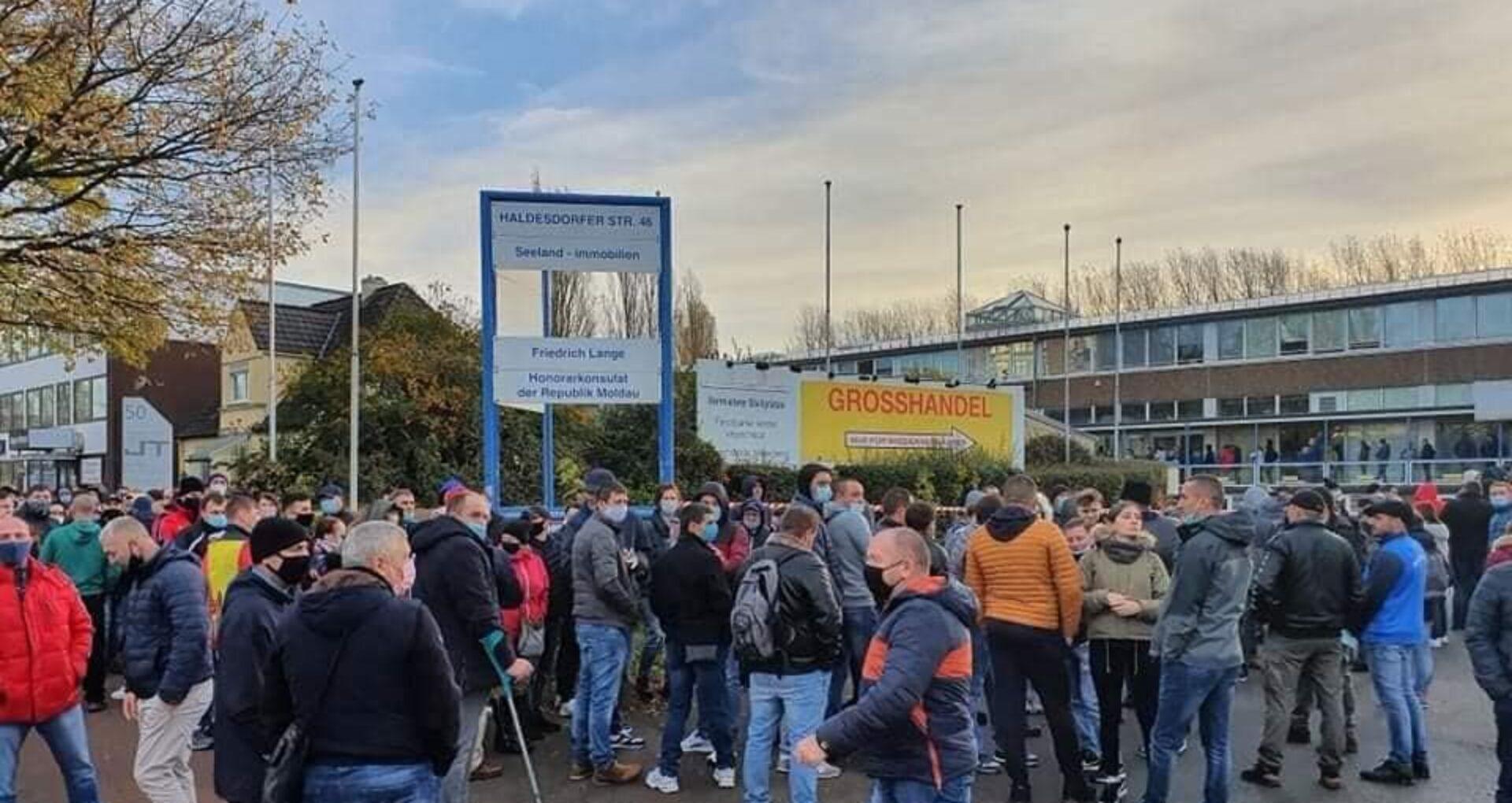 VIDEO/ Moldovenii din diaspora, îngrijorați că la unele secții nu vor ajunge buletine de vot
