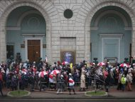 Peste 300 de oameni au fost reținuți la protestele de azi din Belarus. Printre arestați sunt și jurnaliști