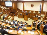 """Deputații din opoziție critică modificările adoptate la legislația care reglementează angajarea străinilor la muncă în R. Moldova: """"Guvernul Chicu și PSRM adoptă legi care vor lovi în cetățenii acestei țări"""""""