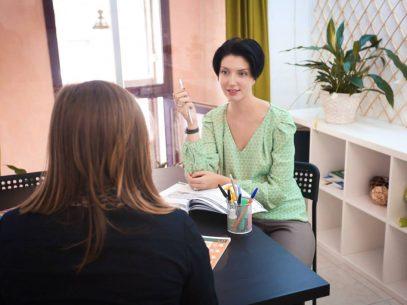 """A deschis o școală de limba română la Sankt Petersburg: """"După prima mea vizită la București, eram îndrăgostită total"""""""
