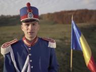 """VIDEO/ Moment emoționant peste Prut. Un jandarm a cântat la pian imnul """"Deșteaptă-te, române"""", la 1700 de metri altitudine"""