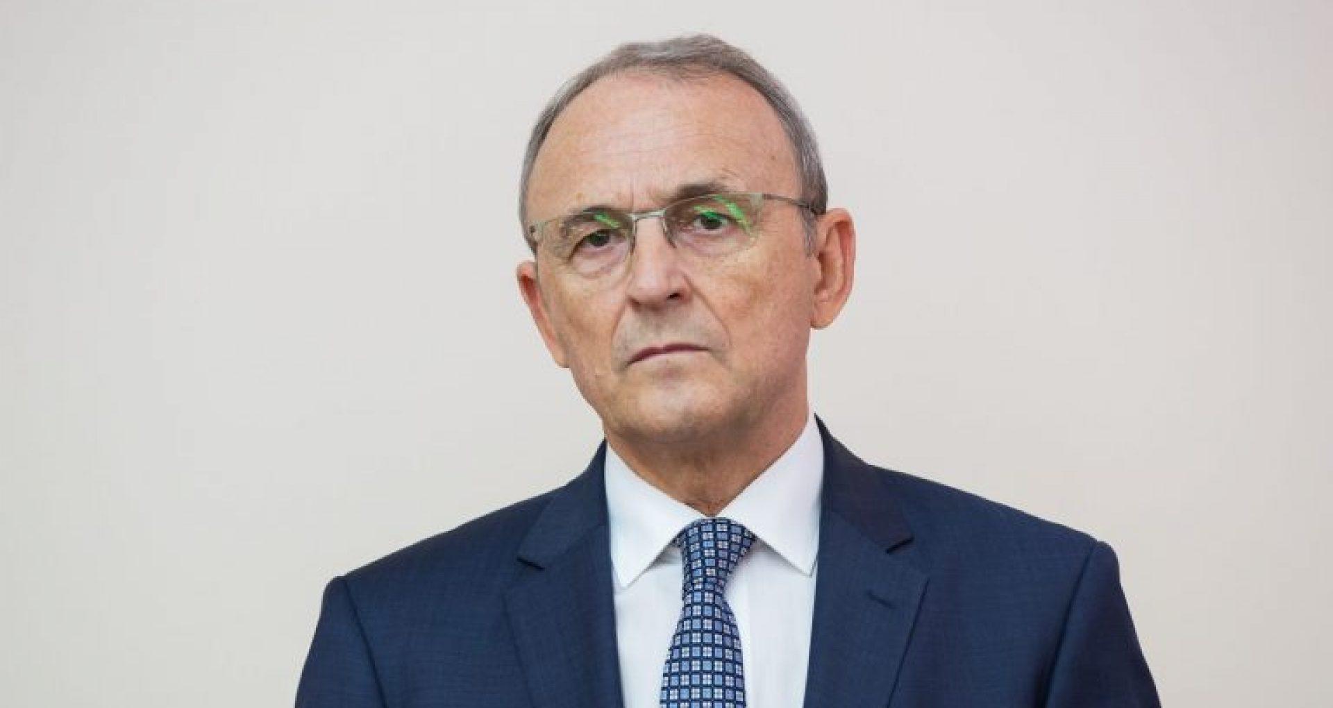 Cu 2 zile înainte de expirarea mandatului, Igor Dodon a semnat decretul privind numirea lui Emil Druc la funcția de Ambasador în Canada