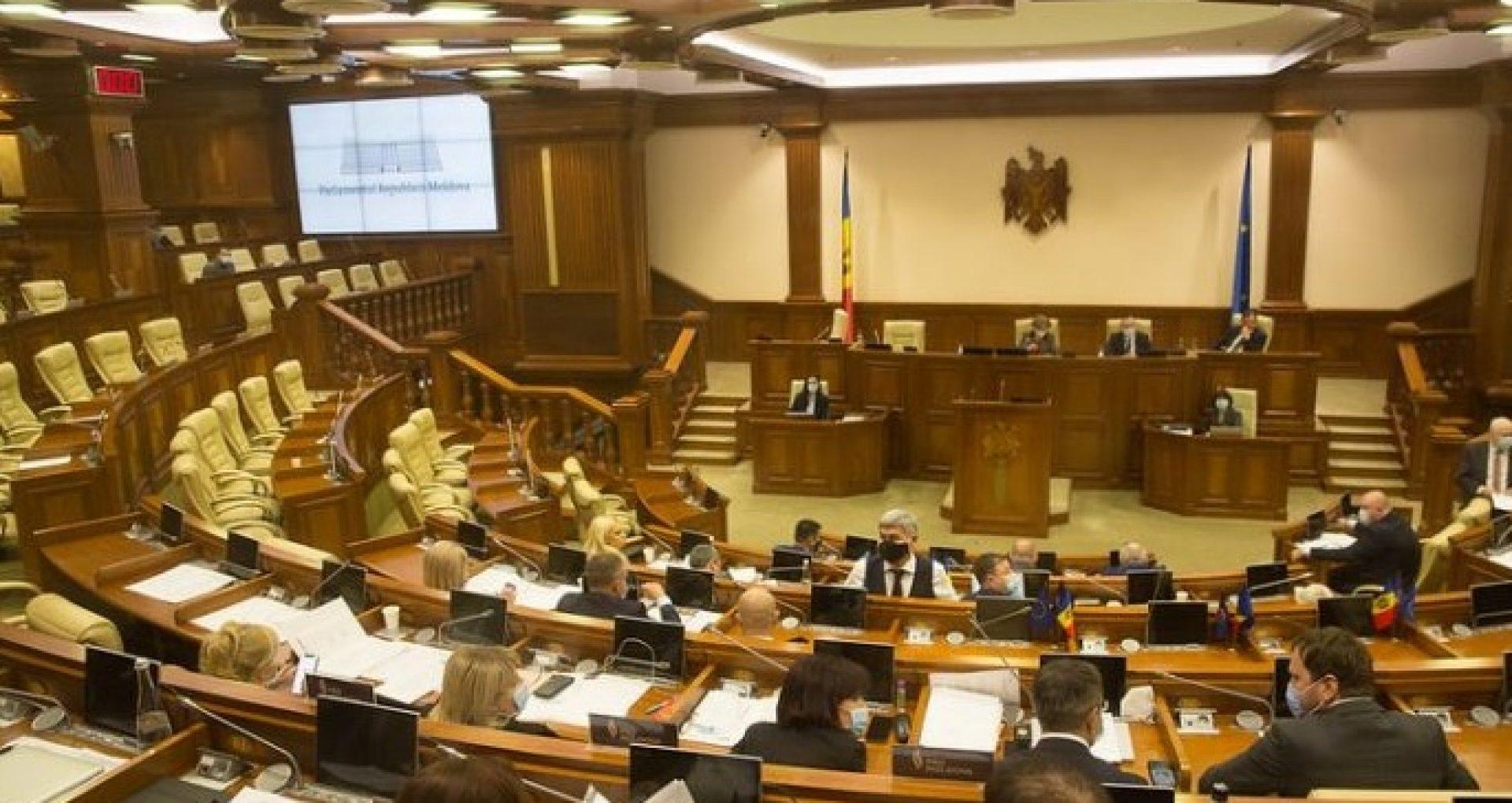 VIDEO/ Ședința Parlamentului. Raportul privind situația de la CFM, printre proiectele aprobate