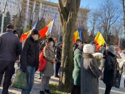 FOTO/ Președintele României, întâmpinat cu urale, la Președinție, de către membrii Asociației ODIP: unioniștii au venit și cu o scrisoare deschisă către Klaus Iohannis