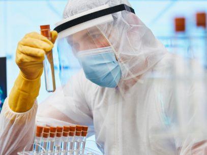 Autoritățile din sănătate susțin că nu au venit rezultatele laboratorului din Germania, pentru a stabili dacă în R. Moldova este prezentă varianta Delta a COVID-19, deși anterior au declarat că rezultatele vor fi anunțate pe 14 iulie