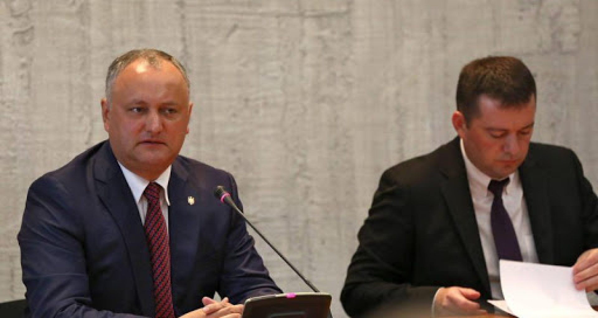 Consilierii lui Igor Dodon și secretarul general al Aparatului președintelui, demiși prin decret
