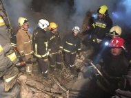 FOTO/ Explozie într-o casă de locuit din Sângerei. Pompierii au scos cadavrul unui bărbat de sub dărâmături