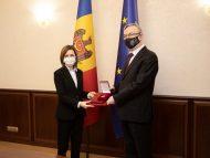 Ambasadorul Republicii Cehe în țara noastră a fost decorat de președinta Maia Sandu