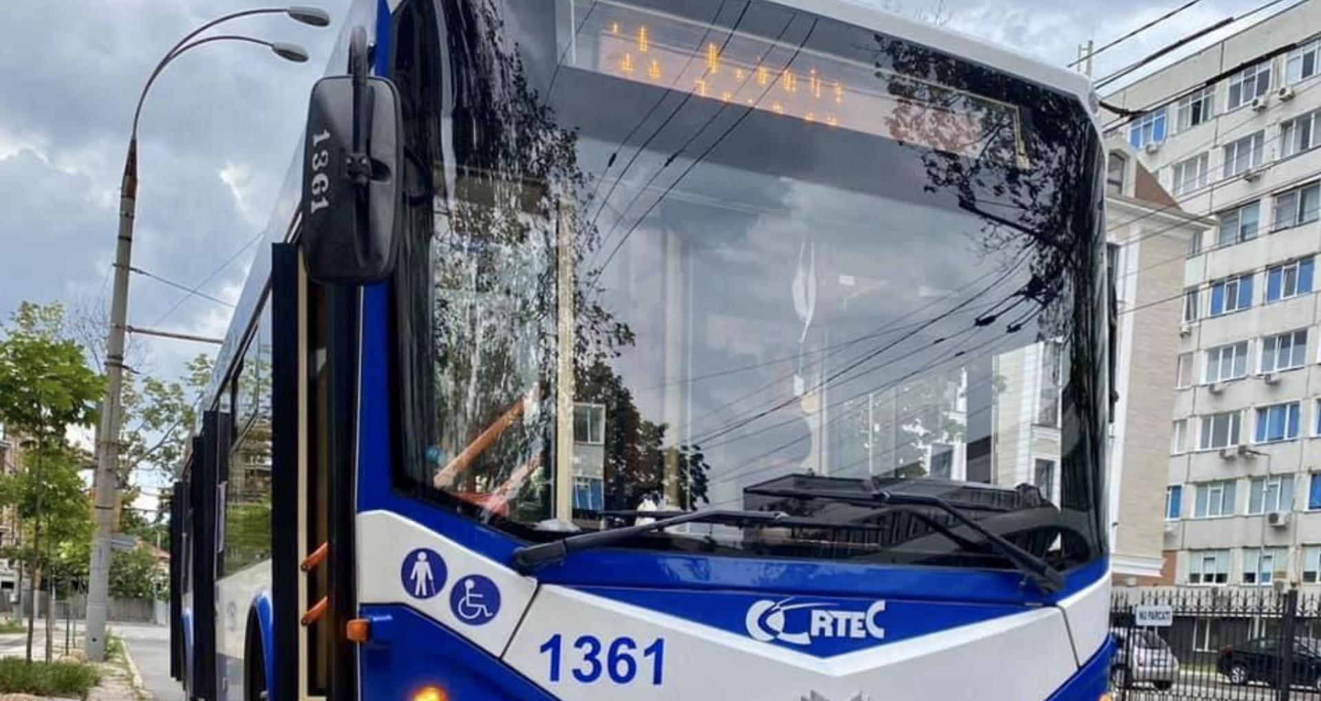 Alte opt troleibuze noi vor ajunge în curând pe străzile capitalei