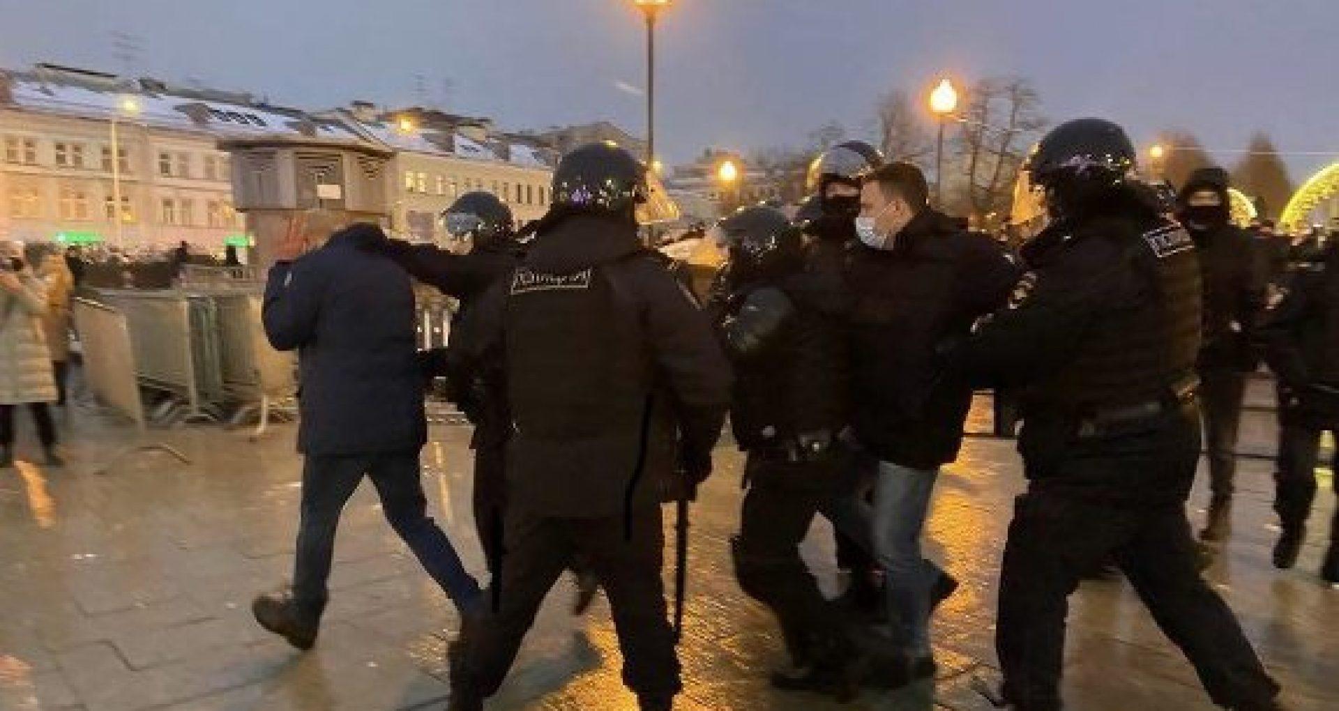 """Proteste la Moscova: Rusia cere """"explicaţii"""" Ambasadei SUA"""