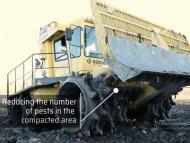 Primăria a achiziționat o autospecială de 6,9 milioane de lei pentru compactarea deșeurilor la poligonul municipal de la Țânțăreni