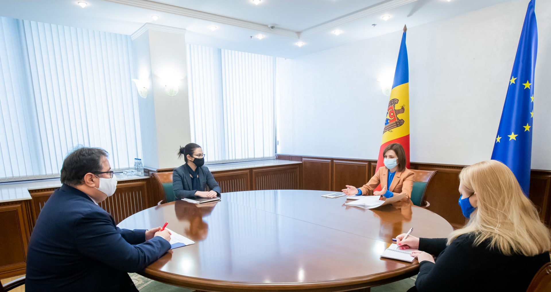 "Președinta Maia Sandu a avut o întrevedere cu Ambasadorul UE în R. Moldova, Peter Michalko: ""Am abordat atât aspecte ale politicii interne, cât și perspectivele politicii externe"""
