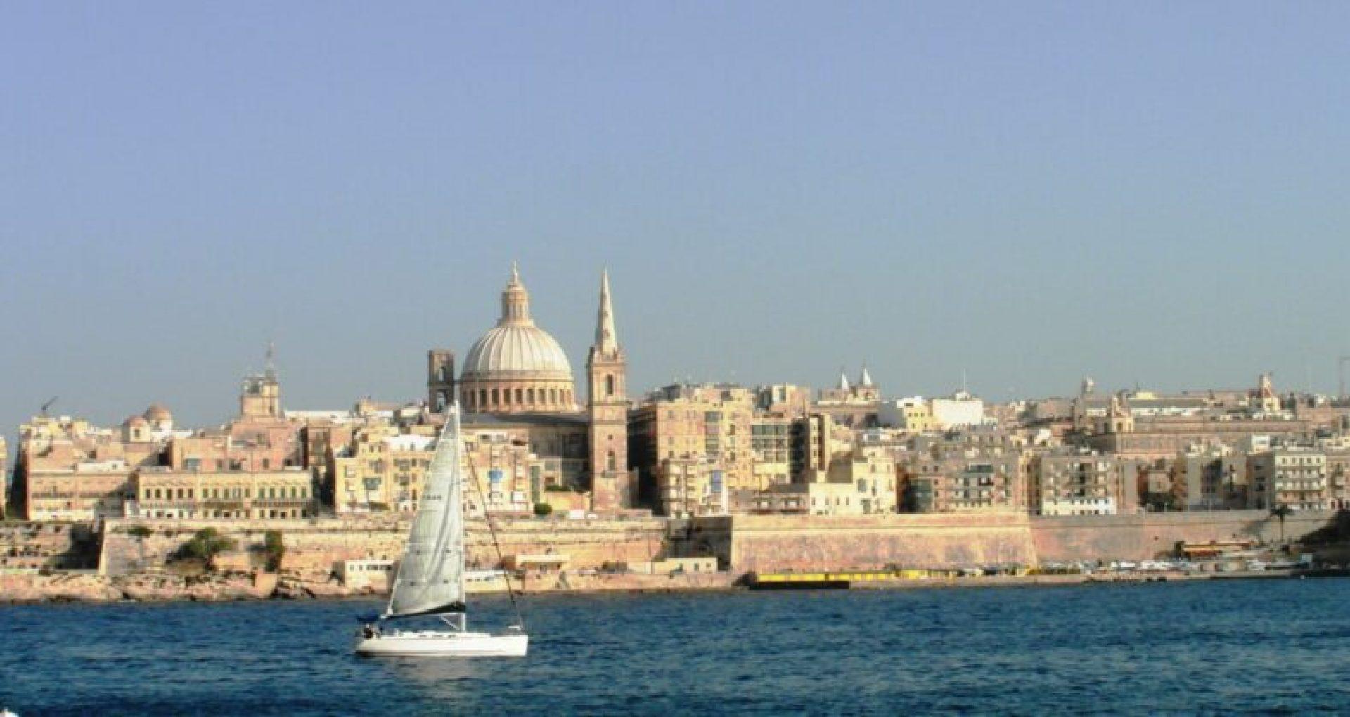 """Noii cetățeni. Malta a dezvăluit numele noilor destinatari ai """"pașapoartelor de aur"""" din Rusia, printre care un miliardar din lista Forbes"""