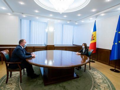 """Președinta R. Moldova și premierul interimar s-au întrunit în ședință: """"Trebuie să venim cu acțiuni concrete în sprijinul cetățenilor"""""""