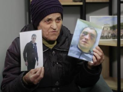 VIDEO/ Apelul pentru justiție al unei mame, fiul căreia a fost condamnat la 30 de ani de închisoare pentru că și-a omorât soția