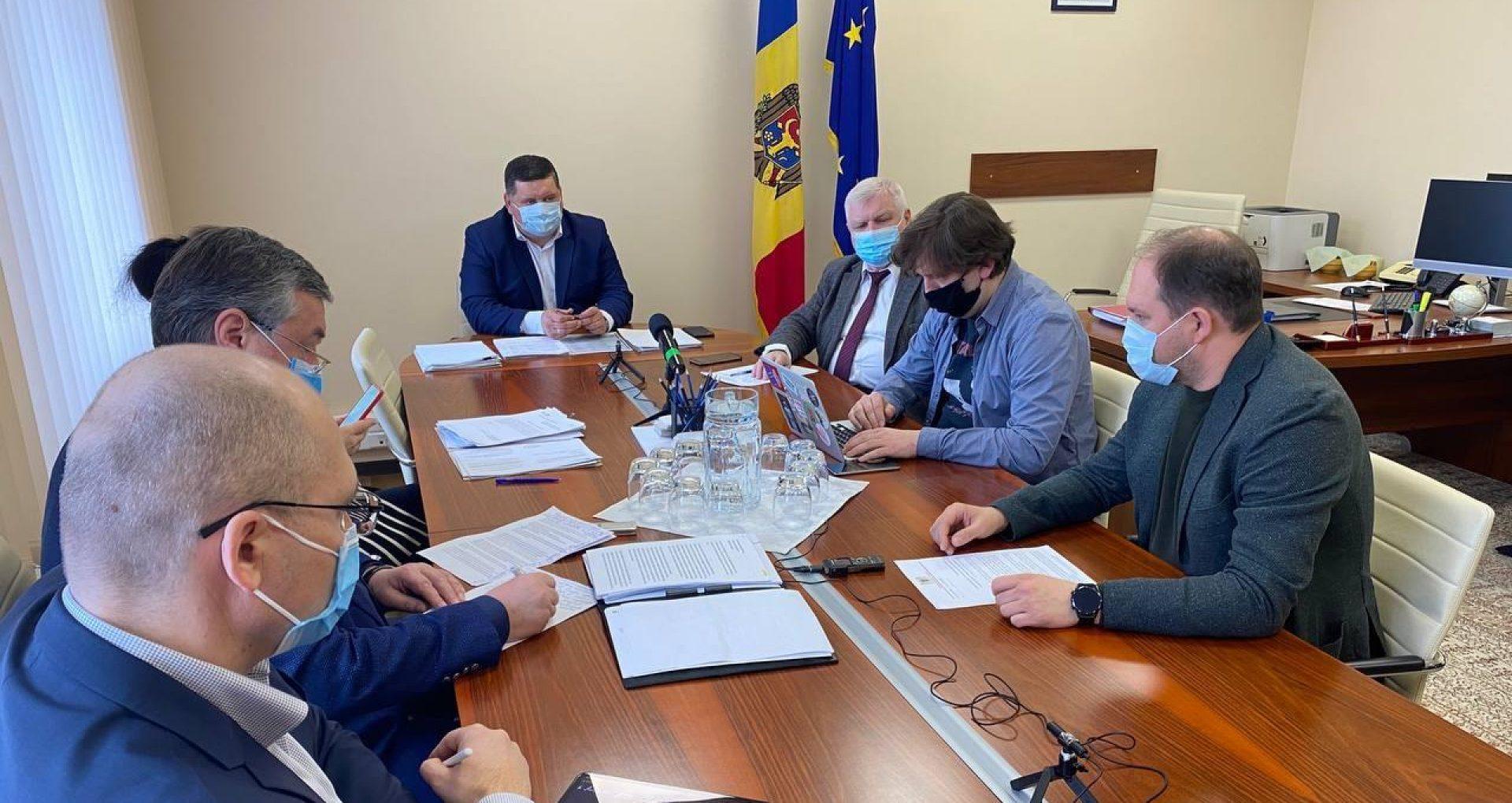 Ion Ceban a mers la Parlament cu un demers privind procurarea autobuzelor pentru municipalitate