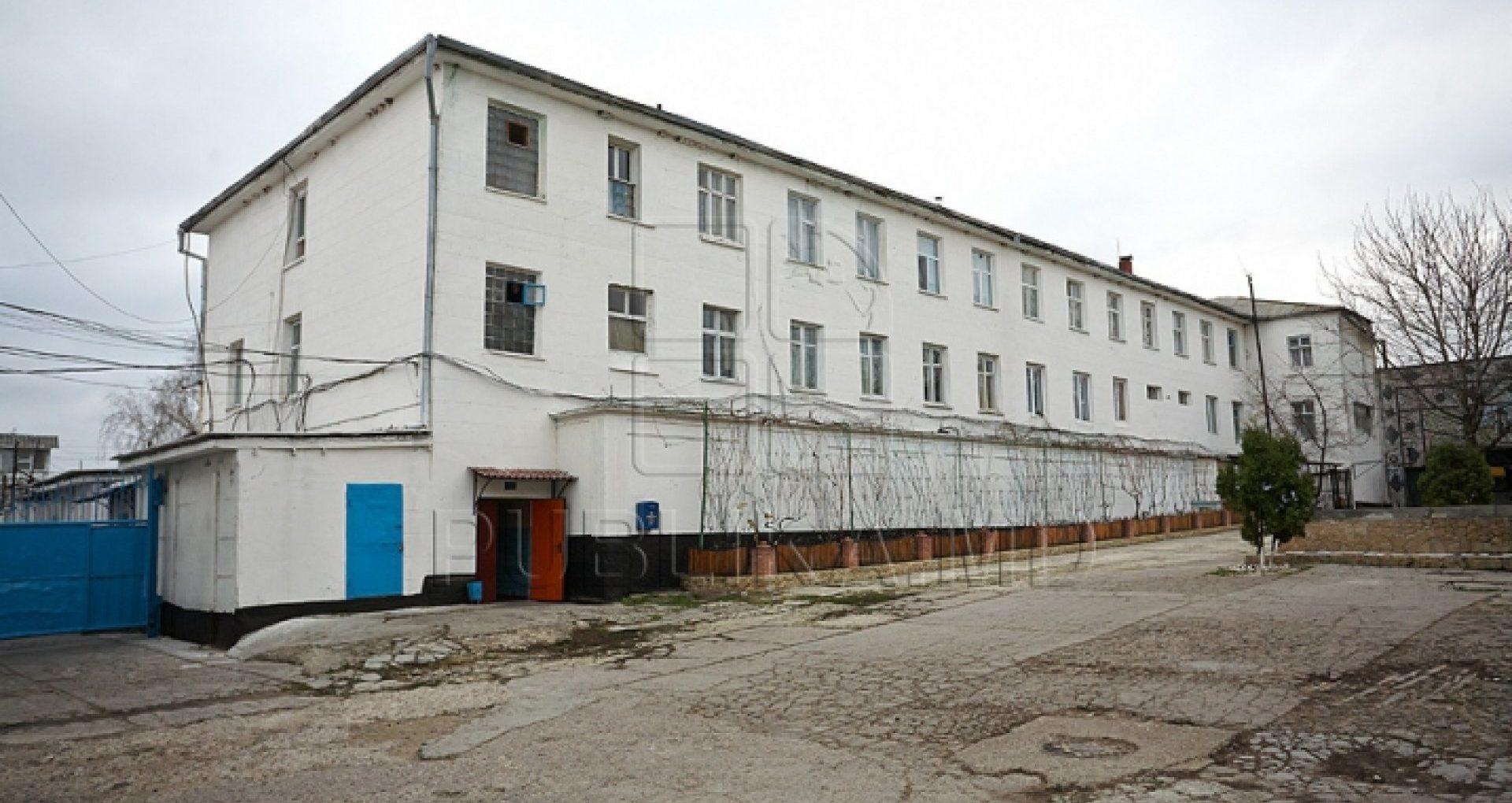 """PCCOCS confirmă perchezițiile matinale """"în toate sectoarele Penitenciarului nr.15 Cricova"""" în dosarul în care a fost reținut Serghei Demcenco, director adjunct al ANP"""