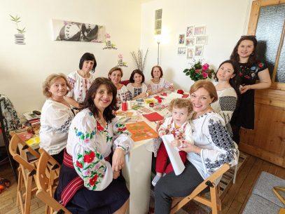 Șezătoare la Paris cu mărțișoare din R. Moldova