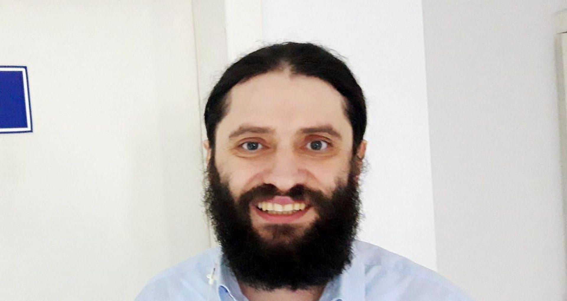 """""""Zilnic murea cineva acolo"""". Interviu cu părintele Andrei Rusu de la Biserica """"Sfântul Dumitru"""" din Chișinău"""