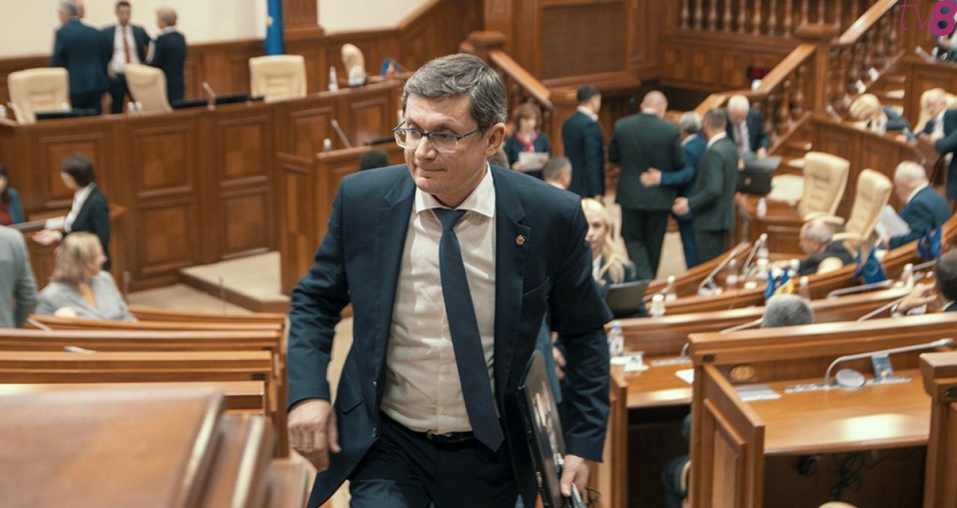 Un deputat socialist cere să fie investigată averea președintelui interimar al PAS, Igor Grosu