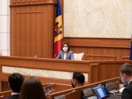 """Președinta Maia Sandu anunță că a pornit o serie de consultări cu reprezentanți ai societății civile, juriști și specialiști în drept constituțional: """"Sunt hotărâtă să apăr interesul cetățenilor până la urmă"""""""