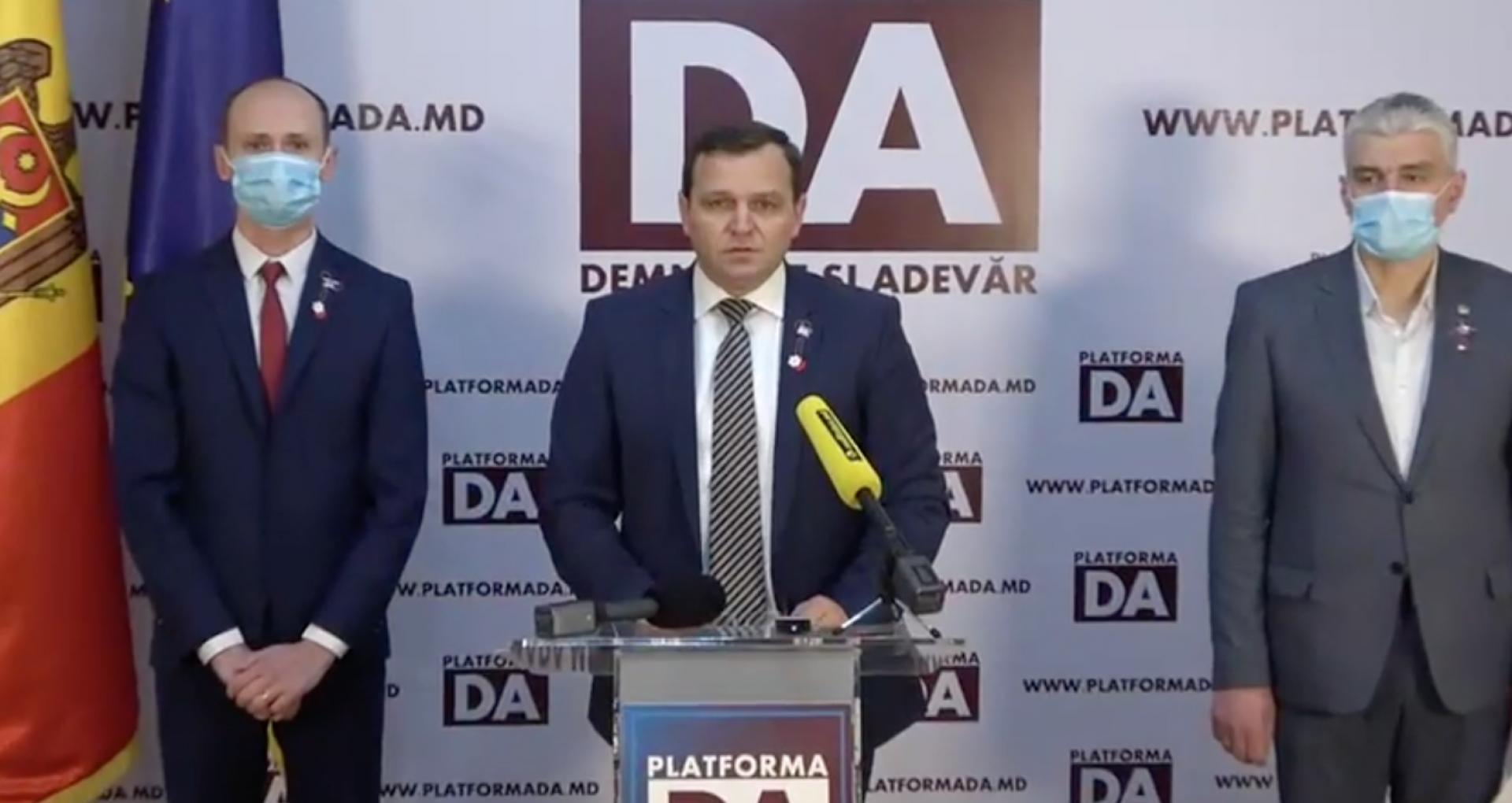 """Platforma DA solicită președintei R. Moldova să sesizeze de urgență Curtea Constituțională, care să verifice constituționalitatea Partidului """"ȘOR"""""""
