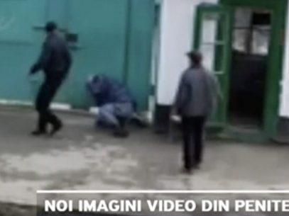 VIDEO/ Deținuți care iau la pumni angajații unui penitenciar din R. Moldova. Reacția ANP