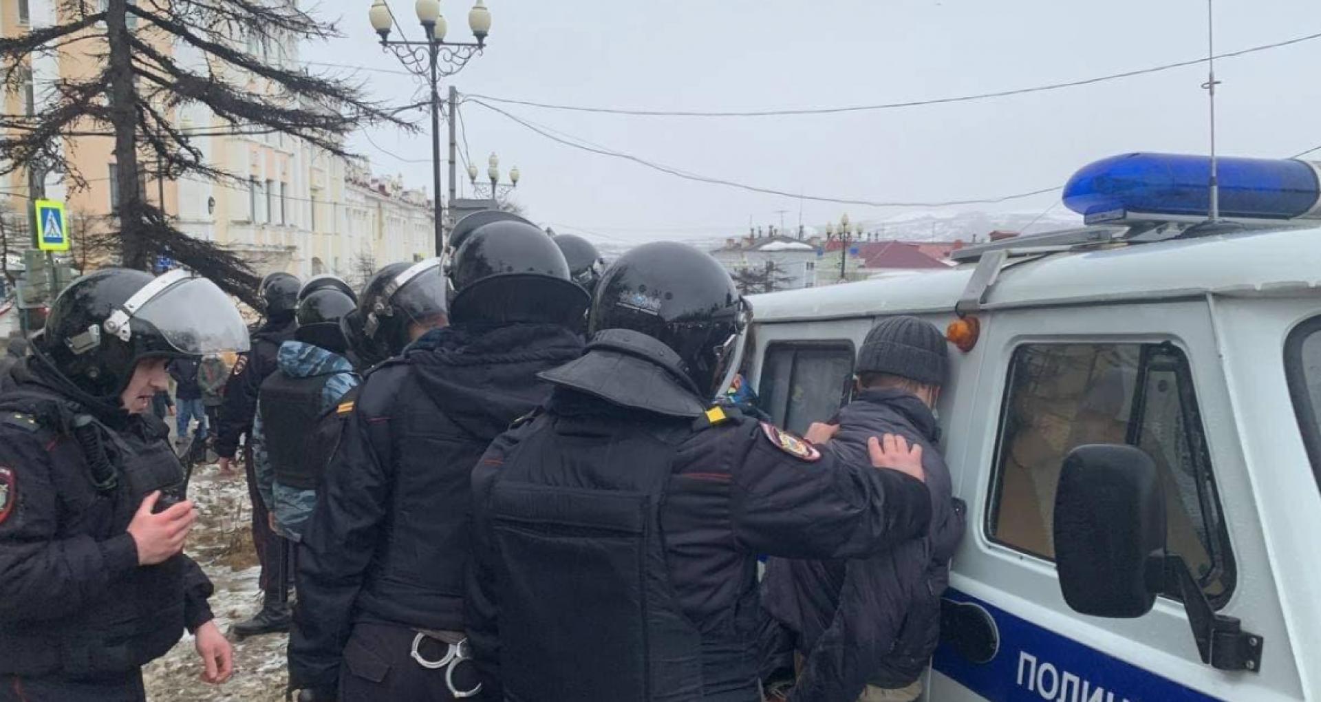 FOTO/ Proteste în susținerea lui Navalny. Aproximativ 200 de persoane, reținute