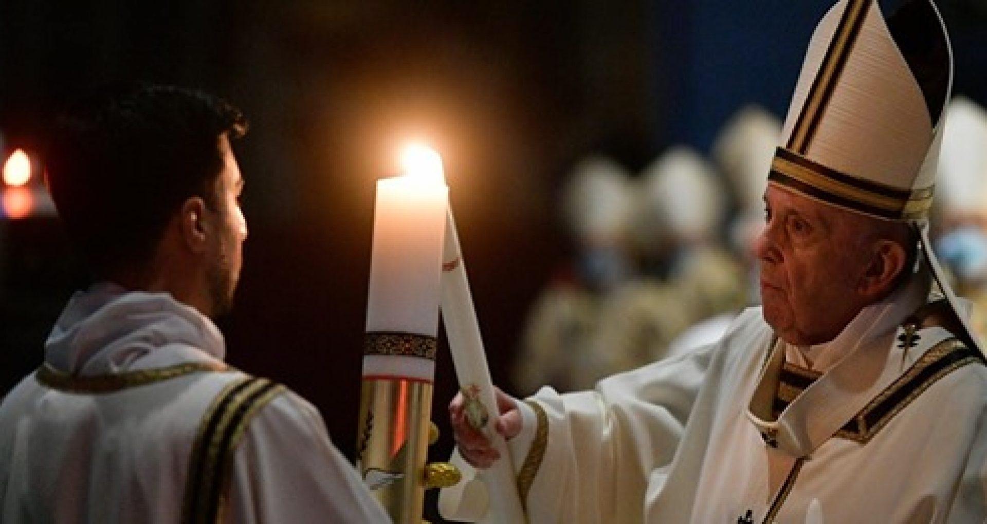"""Un """"maraton"""" de rugăciune în toată lumea, pentru sfârșitul pandemiei, a fost deschis de Papa Francisc și va dura toată luna mai"""