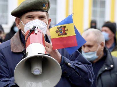 Vocile protestatarilor din fața Curții Constituționale